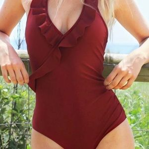 NWT Cupshe women's wine red large swimsuit
